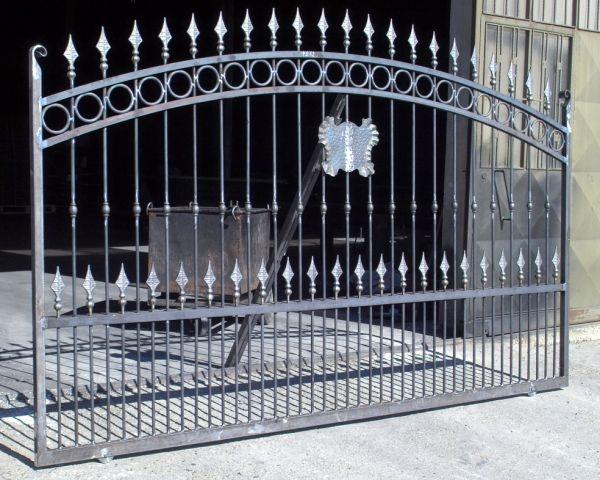 Portail vauban b photo portail en fer forg style for Dessin portail fer forge