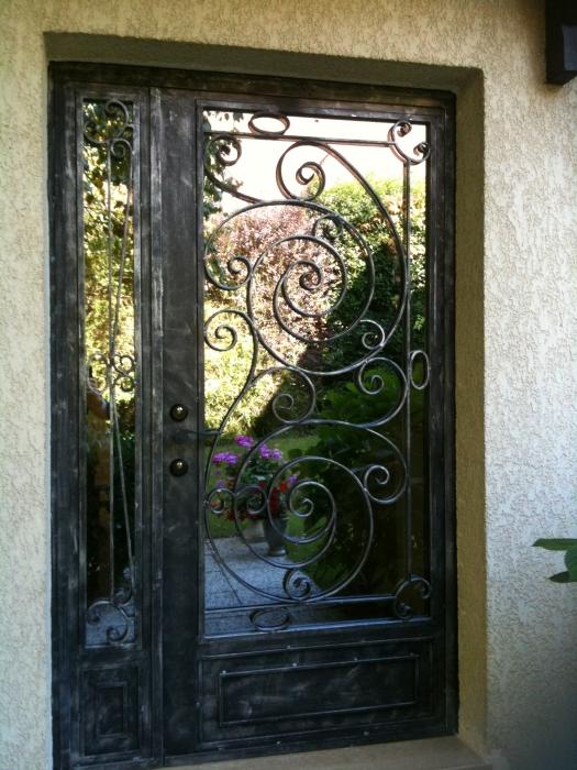 Porte en fer forg camille porte en fer forg style classique le grand catalogue porte for Porte entree fer forge villa