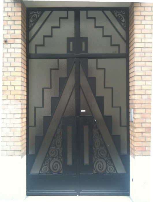 Porte en fer forg style art d co le grand catalogue porte en fer forg portail en fer for Deco portail fer forge