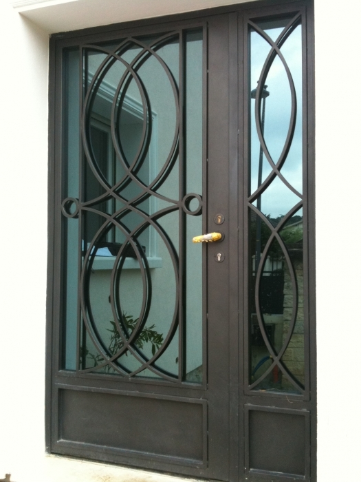 Porte en fer forg c lestine porte style design contemporain le grand catalogue porte for Modeles de grilles en fer forge