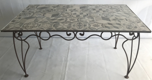 table fer forgé et carrealage 160x80 marron