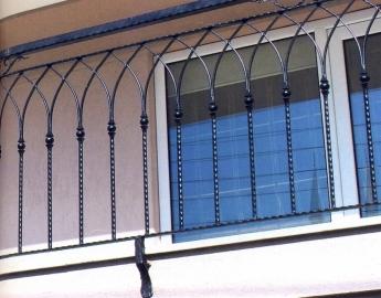 garde corps en fer forg aquitaine garde corps escalier balcon en fer forg style classique. Black Bedroom Furniture Sets. Home Design Ideas
